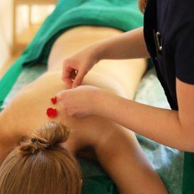 Atpalalaiduojantis nugaros masažas - Suaktyvina kraujotaka, limfos tekėjimą gerina-min